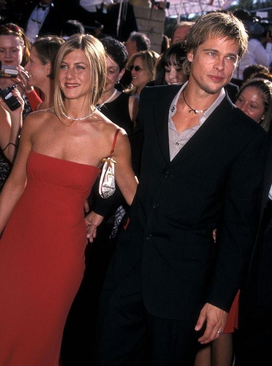 Jennifer Aniston a Brad Pitt na předávání cen Emmy v roce 2000