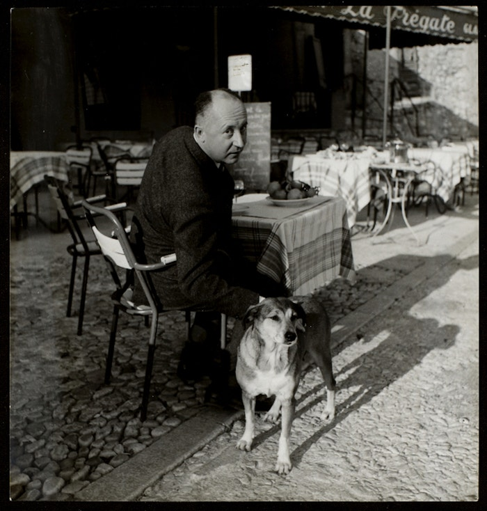 Christian s Bobbym na obědě v Aix en Provence v říjnu 1957