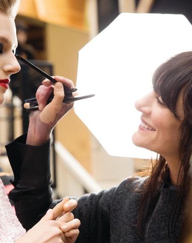 Nejoblíbenější looky špičkových make-up artistů a jak jich dosáhnout