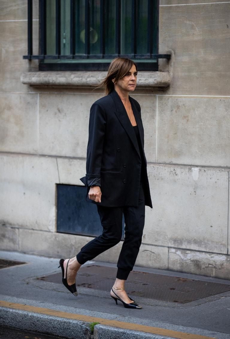 Carine Roitfeld během pařížského týdne módy 6. července 2021