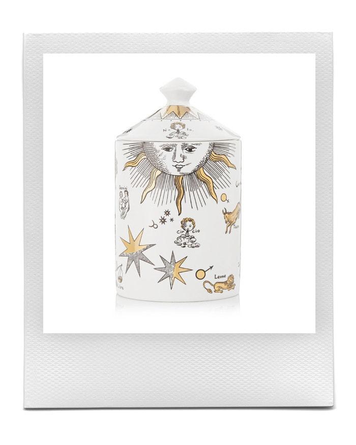 Svíčka v dekorativní dóze, Fornasetti, prodává Net-a-Porter, € 218 Autor: Archiv firmy