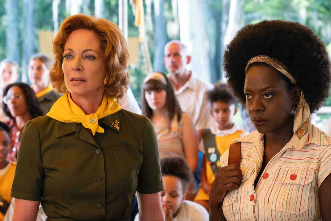 Allison Janney a Viola Davis ve filmu Troop Zero, 2019