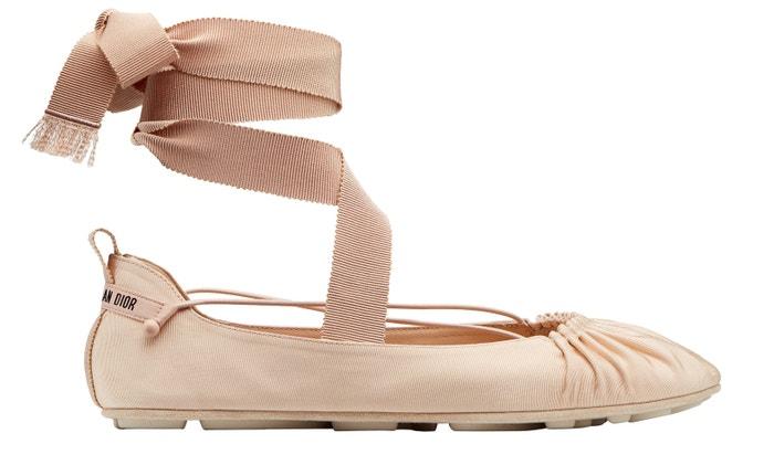 Tělové balerínky Étoile Ballerina, Dior, 14 000 Kč