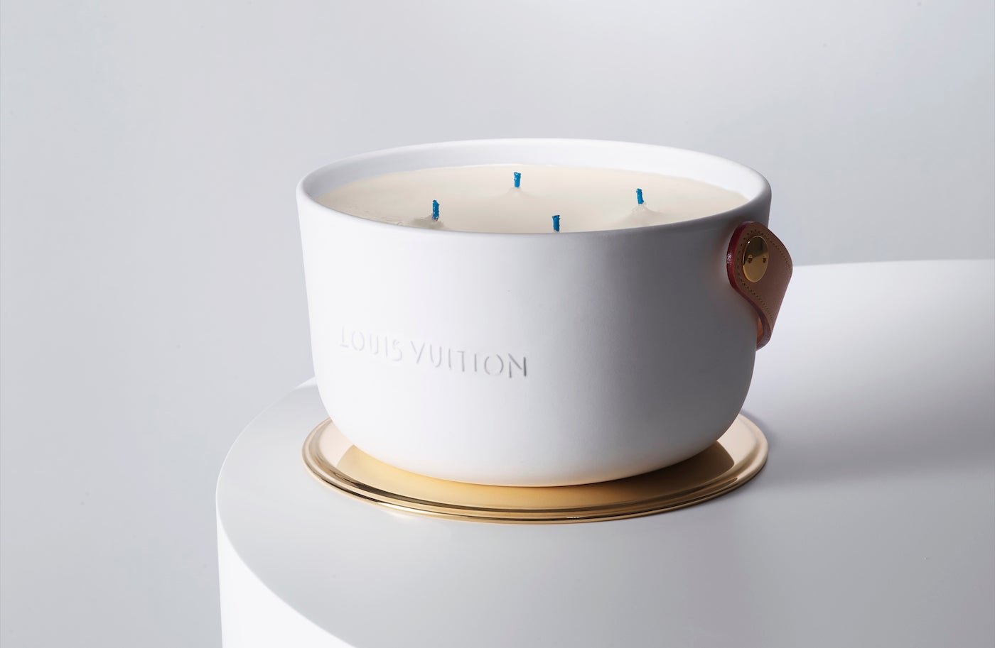 Vonná svíčka Île Blanche (1,1 kg), Louis Vuitton, 550 €