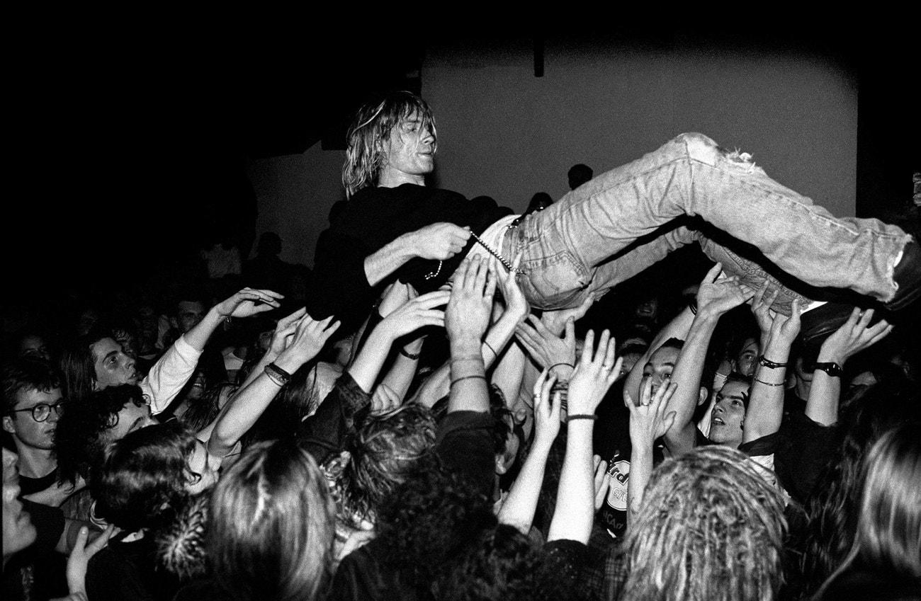 Kurt Cobain na koncertu skupiny Nirvana ve Frankfurtu, 12. listopadu 1991