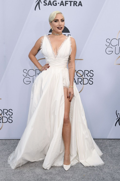 Lady Gaga v šatech Dior Haute Couture a se šperky Tiffany & Co.