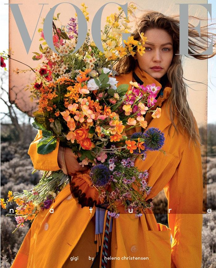 Gigi Hadid na obálku Vogue Czechoslovakia fotila Helena Christensen. Gigi má na sobě kabát a pásek Dries Van Noten a bundu Bottega Veneta.