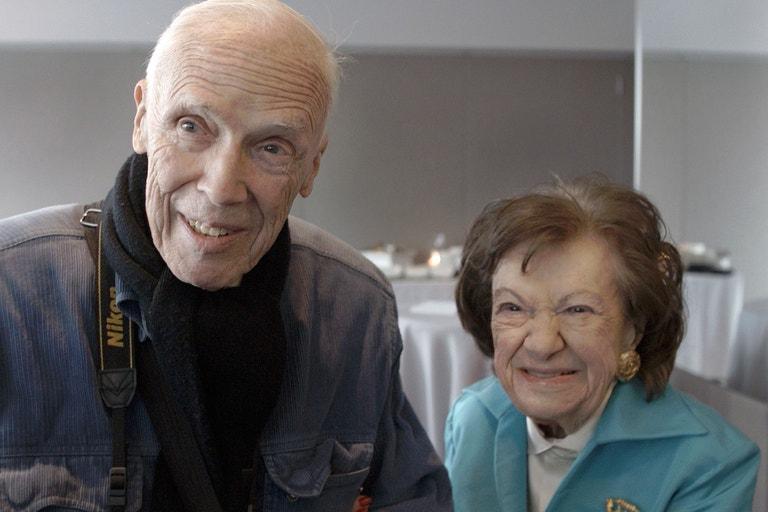 Bill Cunningham a Ruth Finley ve filmu  Calendar Girl