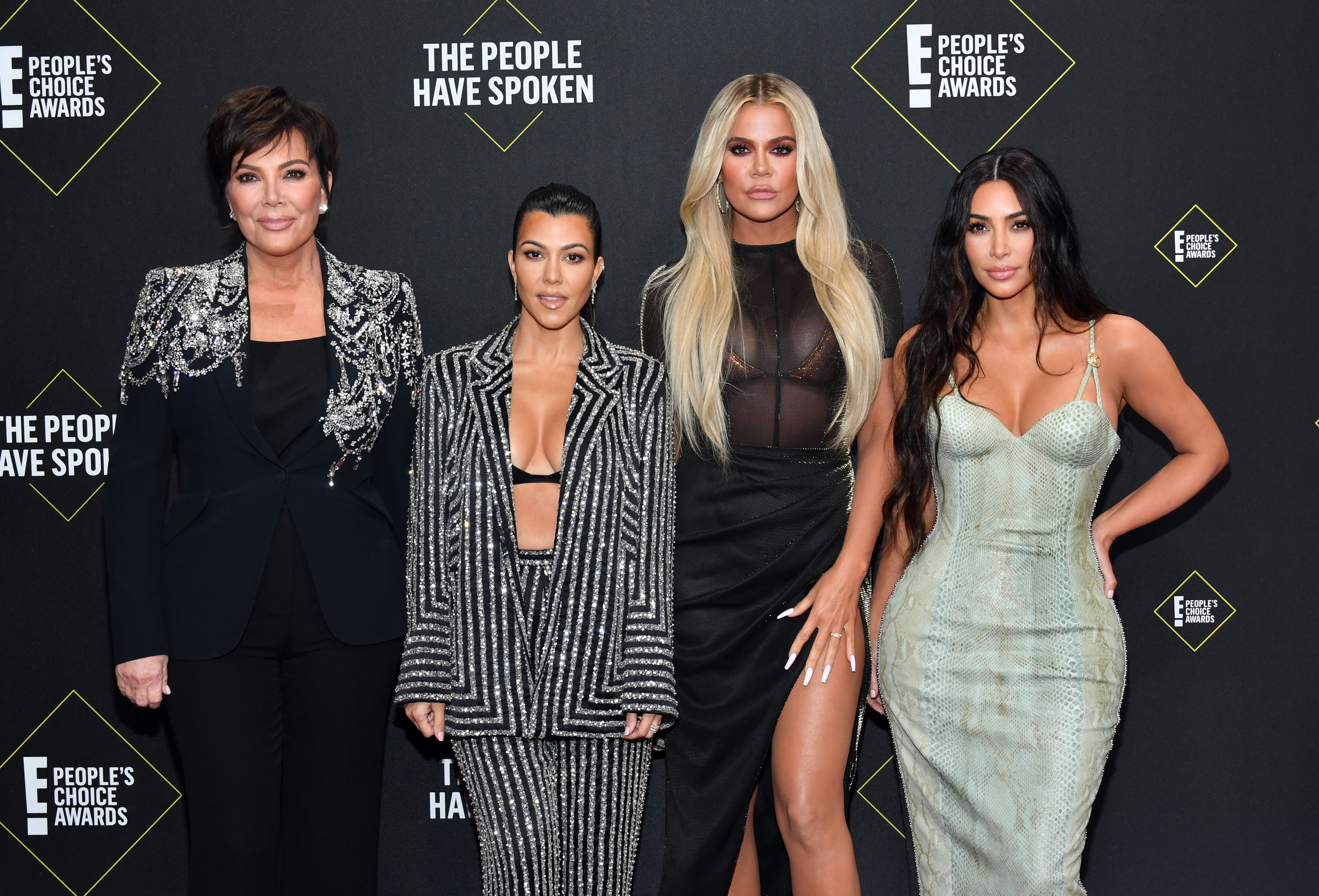 Kris Jenner, Kourtney Kardashian, Khloé Kardashian a Kim Kardashian West na E! People's Choice Awards 2019 Autor: Amy Sussman/E! Entertainment/NBCU Photo Bank