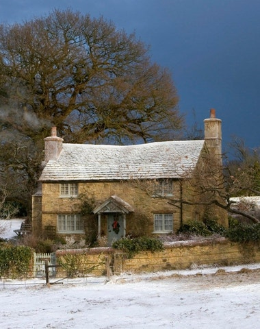 Zimní chata deluxe: jak si vybavit interiér, aby připomínal horský pokoj