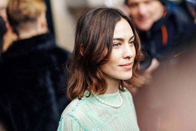 Alexa Chung po přehlídce kolekce Stella McCartney AW19/20, Paris Fashion Week, březen 2019, Paříž