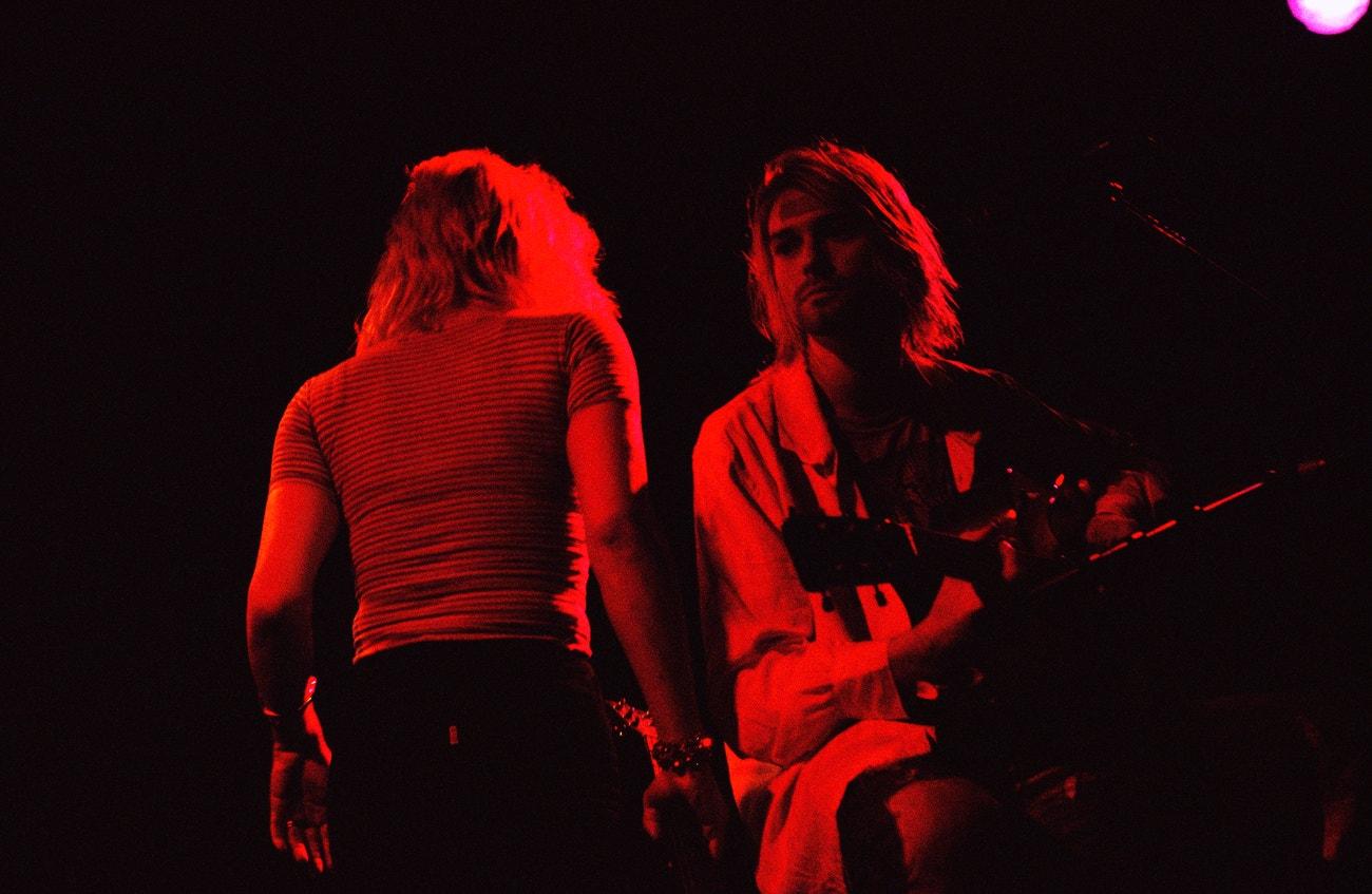 Kurt Cobain a Courtney Love na koncertu Rock Against Rape Benefit v Club Lingerie, 8. září 1993