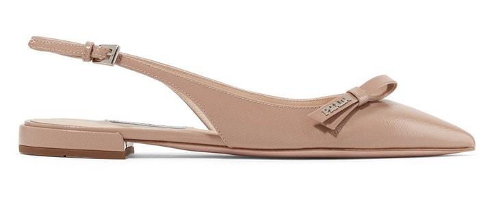 Tělové sandálky z lesklé kůže, Prada, prodává Net-a-porter, 560 €