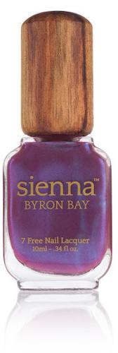 Lak na nehty v odstínu Genie, Sienna Byron Bay