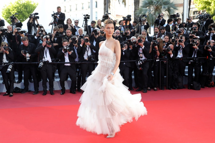 Bella Hadid v šatech Dior Autor: Getty Images