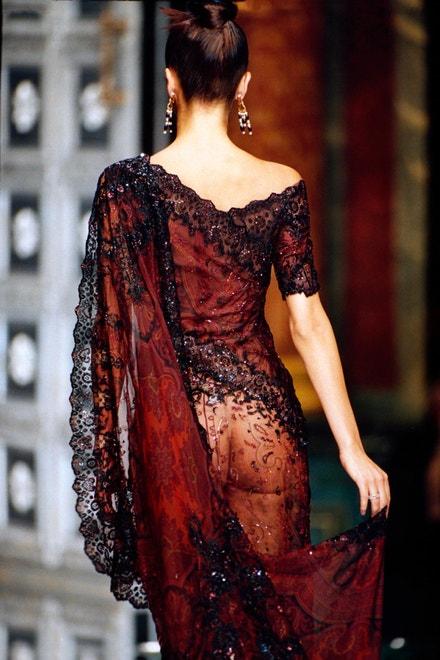 Dior, módní přehlídka v Paříži, 1996