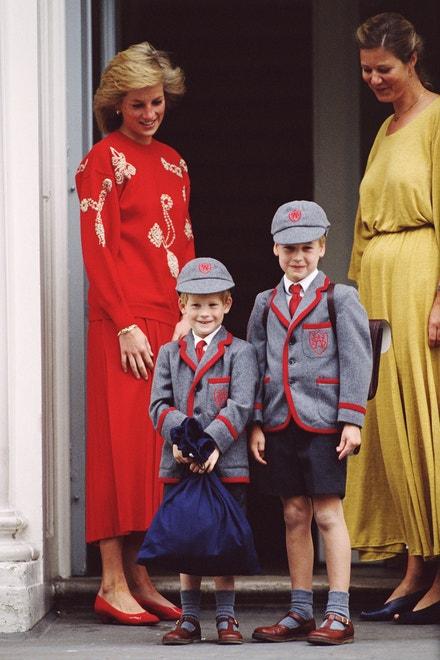 Princezna Diana se syny princem Harrym (vlevo) a princem Williamem, září 1989