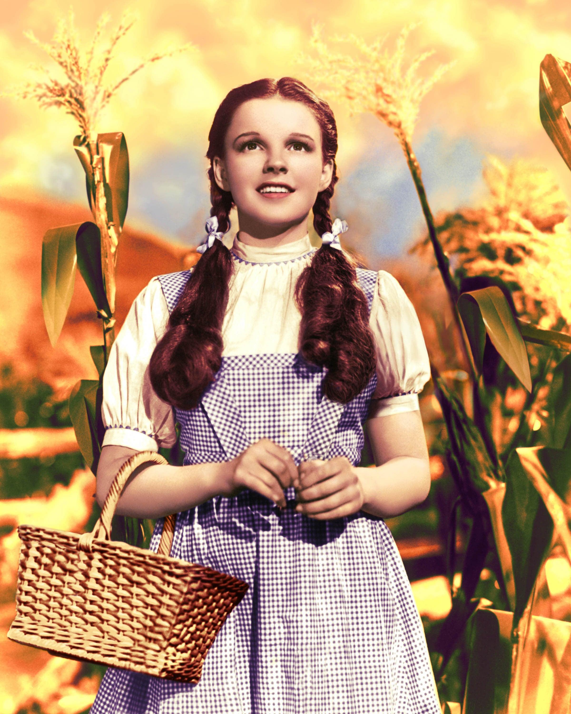 Rok 1939 se do  života Judy Garland nesmazatelně zapsal. Narychlo byla obsazena místo Shirley Temple do role Dorotky ve filmu Čaroděj ze země OZ a za tuto roli obdržela Oscara. Autor: Getty Images