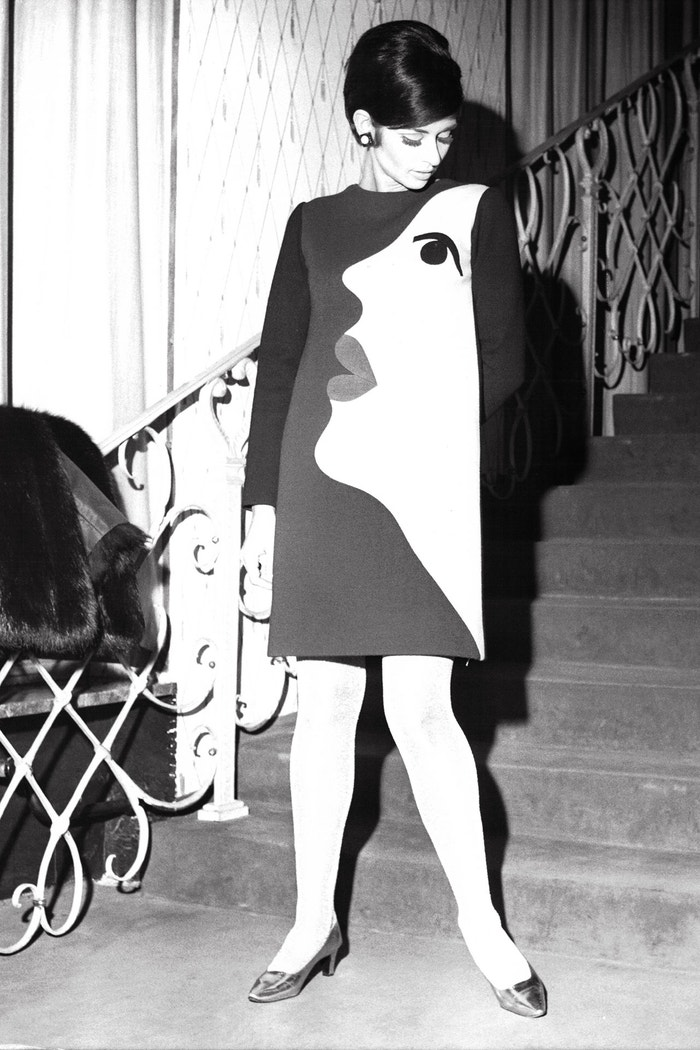 Šaty Yves Saint Laurent, 1966 Autor: Keystone-France/Gamma-Rapho via Getty Images