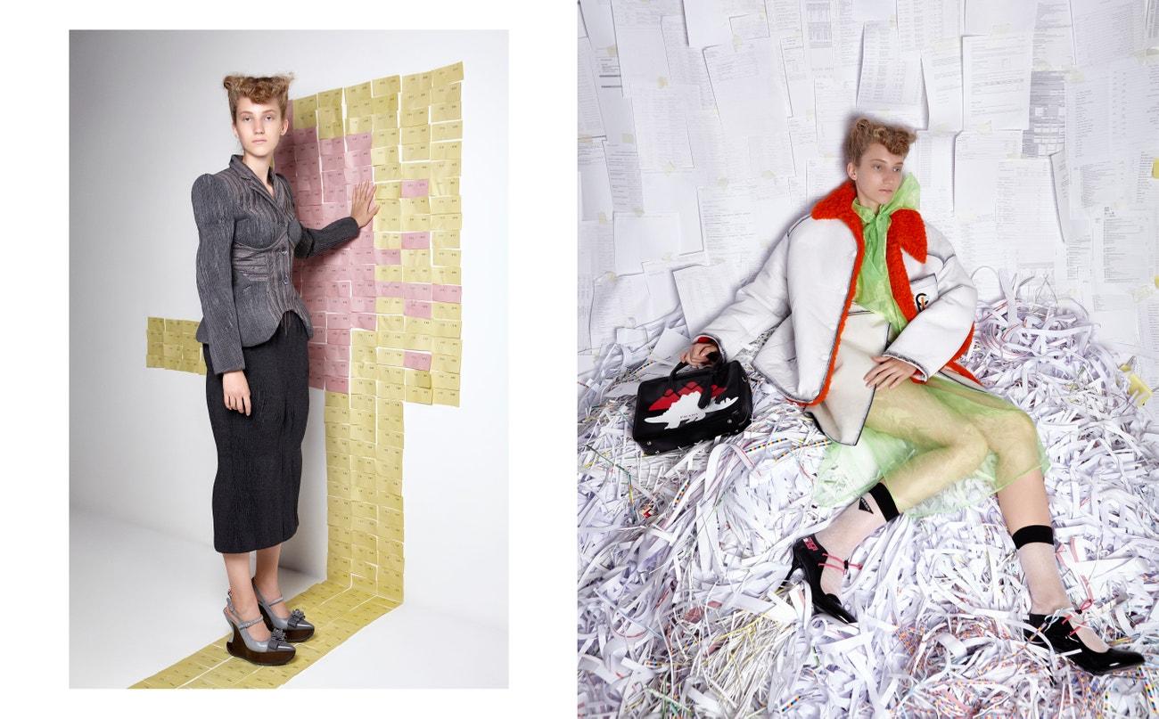 Vlevo: bunda, šaty, sukně, košile, taška, boty, vše PRADA.  Vpravo: kabát, sukně, boty, vše THOM BROWNE.