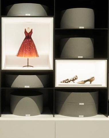Co ukrývají archivy Dior? Nahlédněte do přísně střežených míst