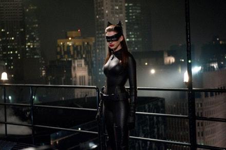 Anne Hathaway ve filmu Temný rytíř povstal, 2012