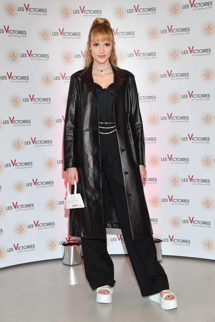 Angèle na Les Victoires De La Musique Show v Paříži, únor 2020         Autor: Stephane Cardinale - Corbis/Corbis via Getty Images