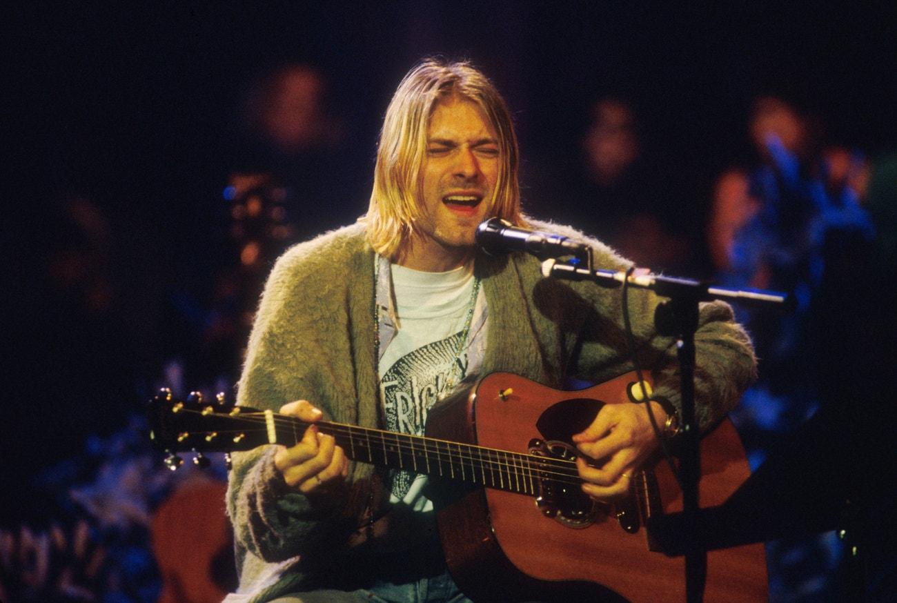 Kurt Cobain při natáčení MTV Unplugged v Sony Studios v New Yorku, 18. listopadu 1993