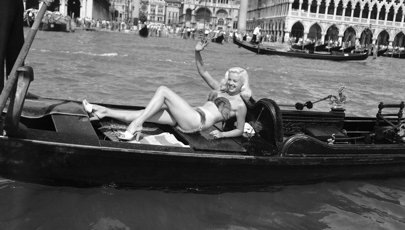 17 ikonických snímků z festivalu v Benátkách, jehož 77. ročník právě začal