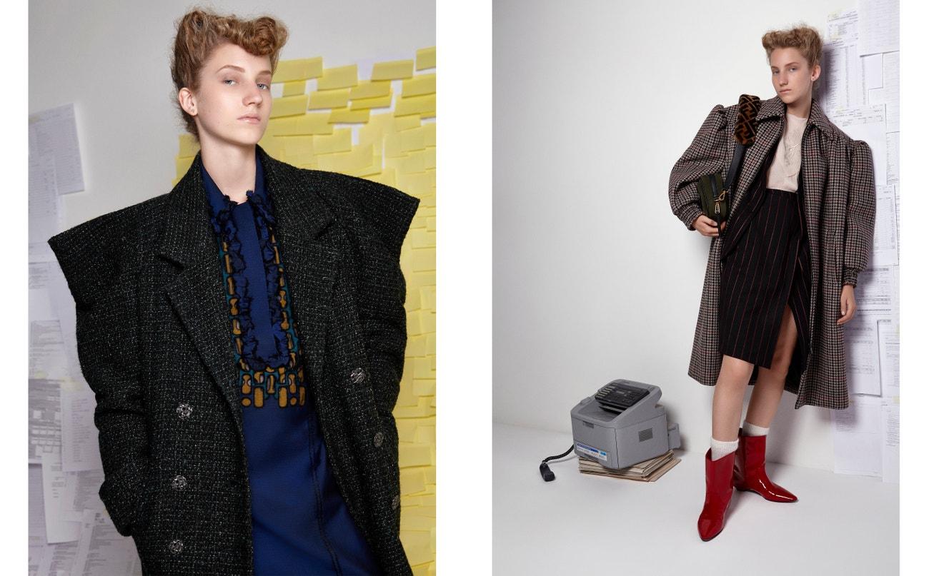 Vlevo: kabát, CHANEL; šaty, BOTTEGA VENETA.  Vpravo: kabát, MIU MIU; košile, FENDI; sukně, PINKO; boty, MIU MIU.