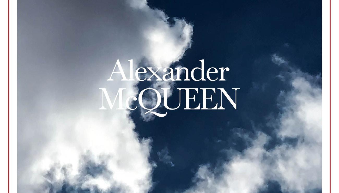 Živě: Alexander McQueen jaro/léto 2022