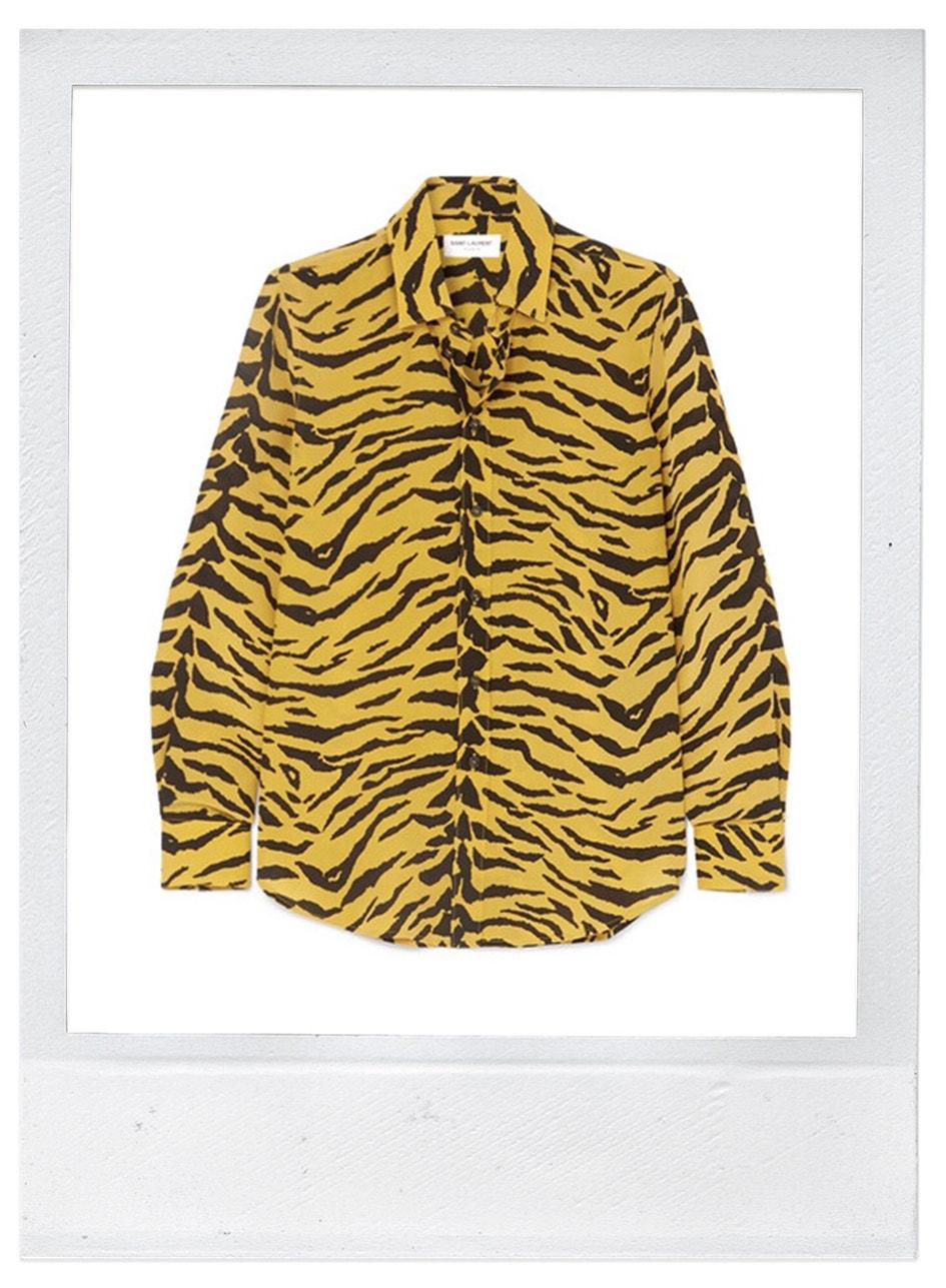 Hedvábná košile, Saint Laurent, prodává Net-a-Porter, 890 €