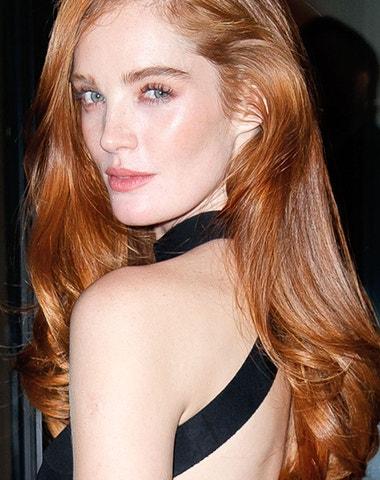 Zrzavé vlasy: Jak si najít a udržet nejžhavější barvu sezony