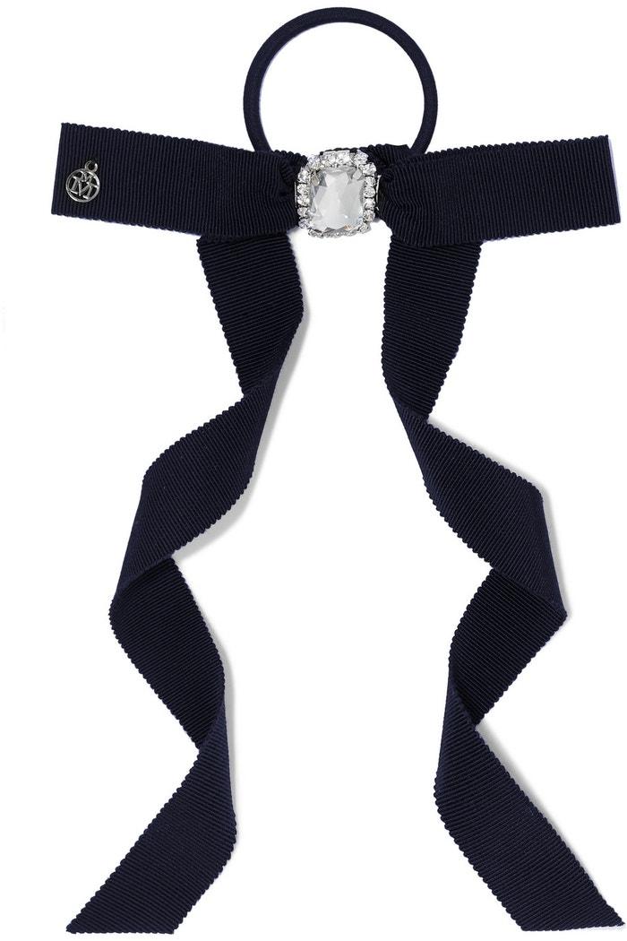 Černá mašle do vlasů, Maison Michel, prodává Net-a-porter, 170 €