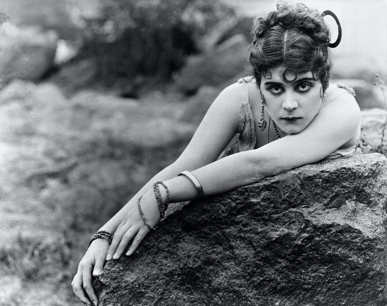 Theda Bara ve filmu Carmen