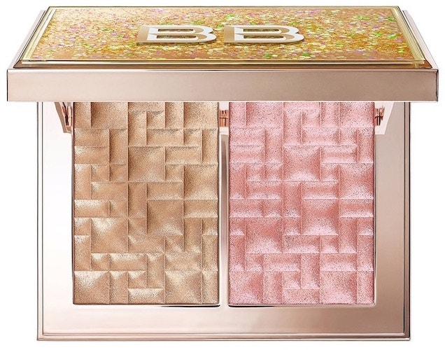 _Paletka rozjasňujících pudrů Highlight & Glow Powder Duo v odstínu Bare Glow, Bobbi Brown, 2095 Kč