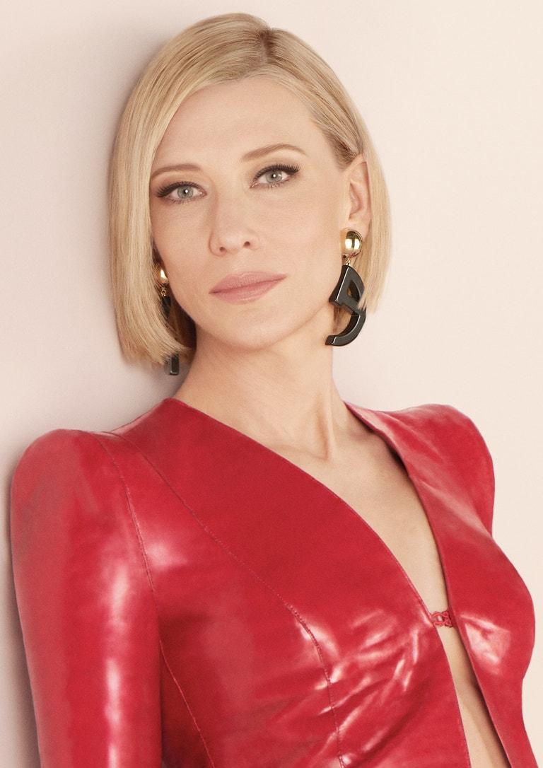 Cate Blanchett v kampani na vůni Giorgio Armani Sì Intense
