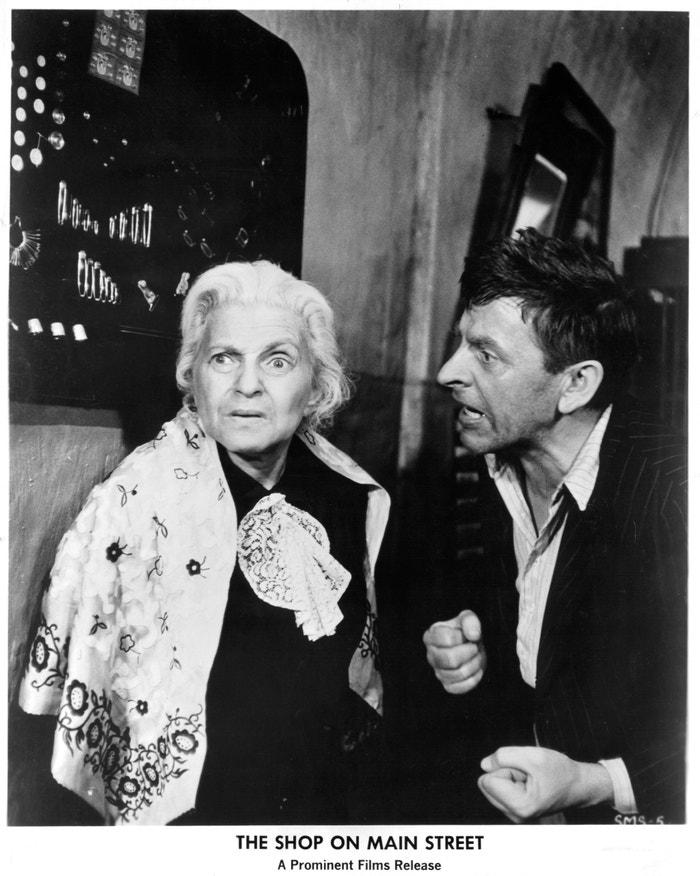 Ida Kamińska a Jozef Kroner ve filmu Obchod na Korze, rok 1965.