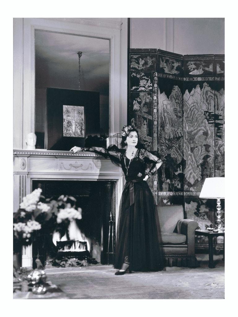 Coco Chanel v reklamě na No. 5, 1937