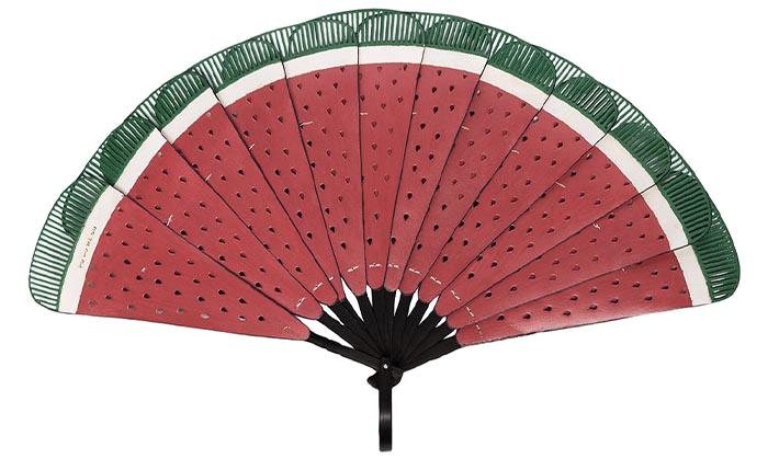 Vějíř s motivem melounu, Pubumésu, prodává Farfetch, $124