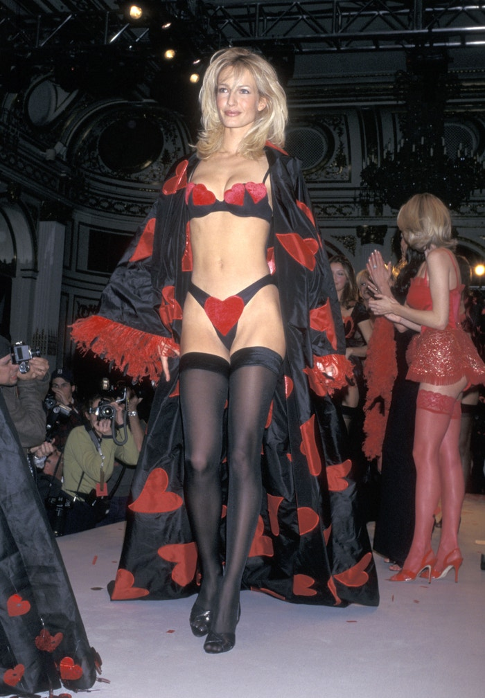Karen Mulder, Victoria's Secret Fashion Show, 1997 Autor: Ron Galella, Ltd./Ron Galella Collection via Getty Images