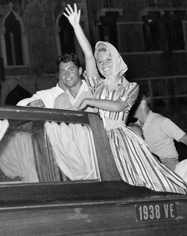 17 ikonických fotografií z festivalu v Benátkách, jehož 78. ročník právě začal