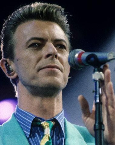 Modní ikona David Bowie. Podívejte se na jeho nejlepší outfity
