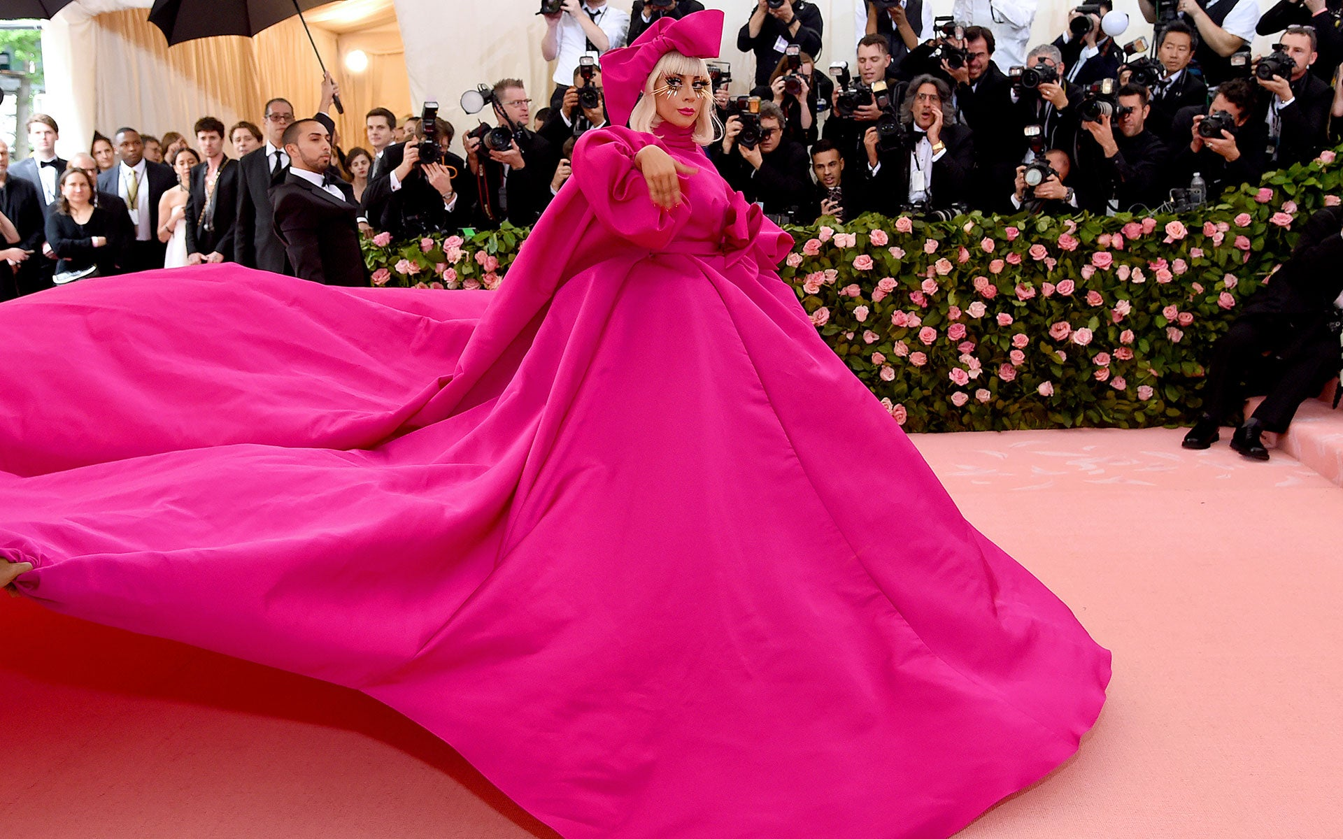 Lady Gaga v šatech Brandon Maxwell      Autor: Getty Images