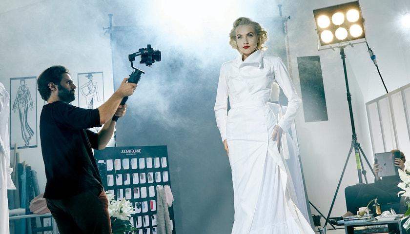 Julien Fournié uvádí novou couture kolekci s Češkou v hlavní roli