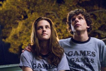 Kristen Stewart a Jesse Eisenberg ve filmu Zábavný park, 2009