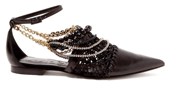 Černé kožené boty s korálky a řetízky, Loewe, prodává Matchesfashion, 960 €