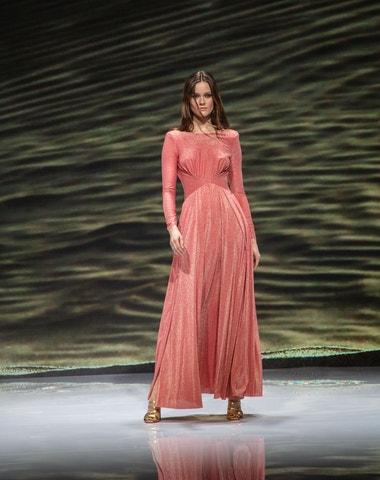 Supervision Fashion Show: světové kolekce online