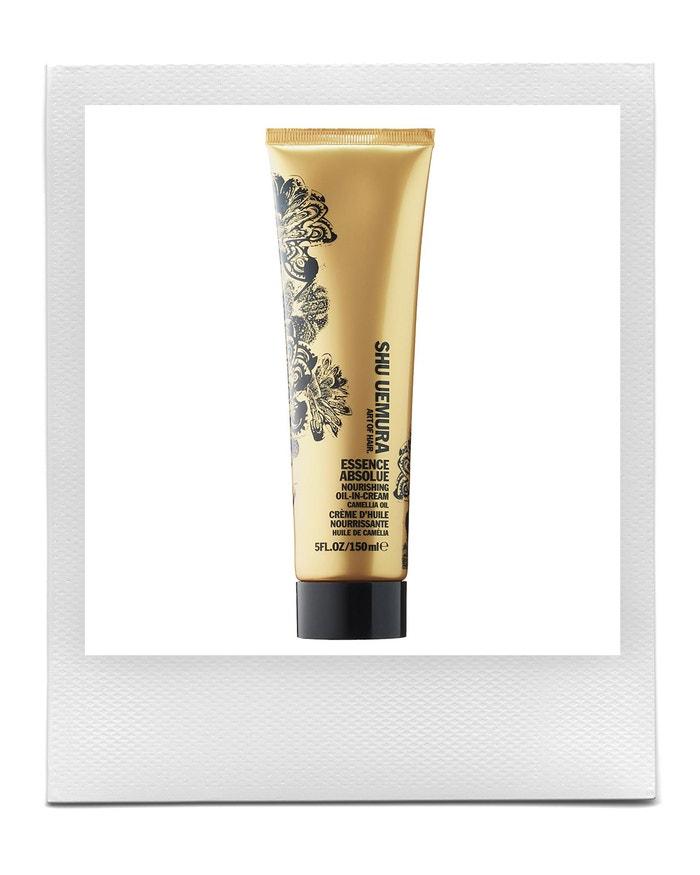 Vyhlazující krém na vlasy Essence Absolue Nourishing Oil-In-Cream Camellia Oil, SHU UEMURA, 1170 Kč  Autor: Archiv značky
