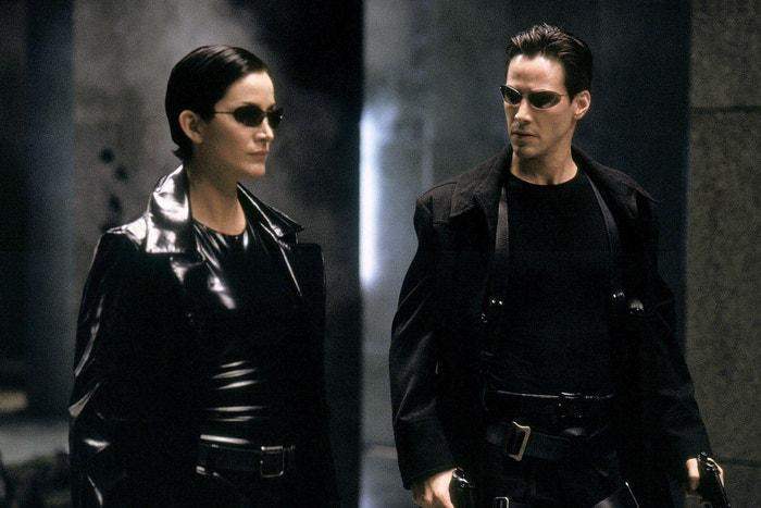Matrix (1999), Matrix Reloaded (2003) a Matrix Revolutions (2003): Pravděpodobně jedna z jeho nejslavnějších rolí. Keanu Reeves se jako Neo ve sci-fi trilogii Lany a Lilly Wachowských, ke které brzy přibude čtvrtý díl, stává spasitelem. Kybernetický thriller přepsal pravidla pro akční filmy. Bojové scény doprovázejí existenční otázky a co je nejdůležitější, hlavní hrdina není typický macho té doby, nebojí se totiž ukázat city.